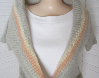 Sweater, Short Sleeve Cardigan Grey and Peach Mohair from Italy - Size M