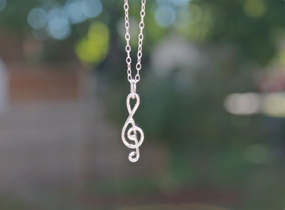 Small Treble Clef sterling silver Pendant on chain.Musical note. Little Note necklace. piano. music.