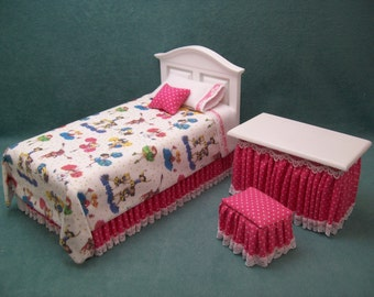 One Inch Scale, Cheer Leaders Theme, Dollhouse Bed and Vanity Set