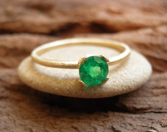 Emerald Engagement 18K yellow Gold  Ring, Vintage Inspired Classic Emerald Ring, Gold Ring.