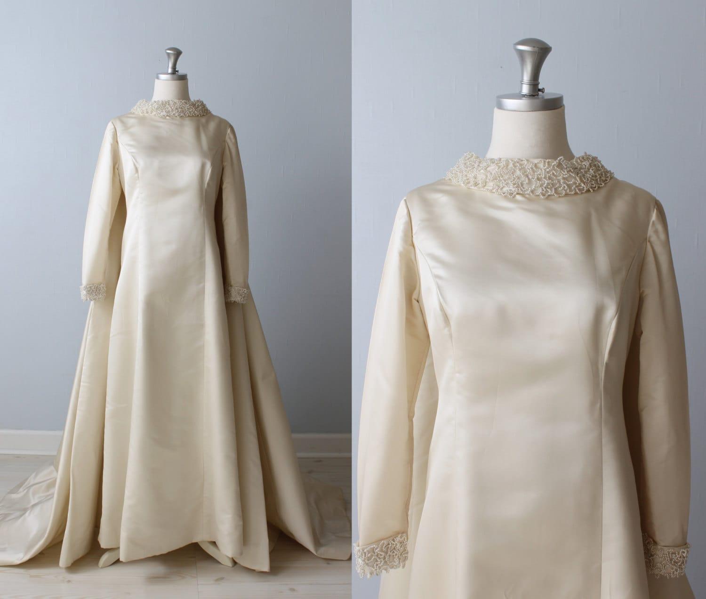 1960s wedding dress long sleeves watteu style detachable