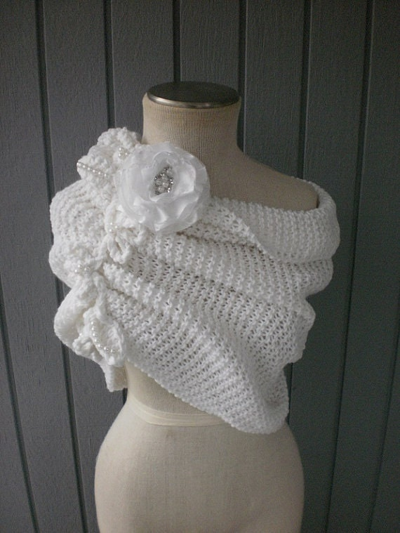 Wedding accessories, bridal accessories, bridal shawl, bridesmaid gift, wedding shawl, weddings shawl, knitting shawl, handmade shawl, shrug