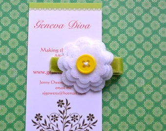 Small triple layer white daisy flower with yellow button center hairclip