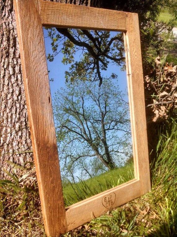 Custom grand miroir murale en bois de grange par for Miroir bois de grange