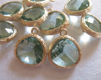 2 5 10 20 pcs, Bezel Crystal Glass Pendant Charm, 16x13 mm, PRASIOLITE GREEN, Gold or Silver Plated Brass, GP1.SG ll