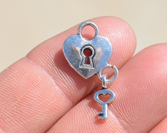 10 Silver Heart Padlock Charms SC2081