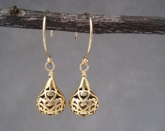 Small Arabesque Drop Earrings -Gold Earrings - Ethnic Inspired- Moroccan Arch - Arabesque Filagree - Cut out - Earrings - Dangle Earrings