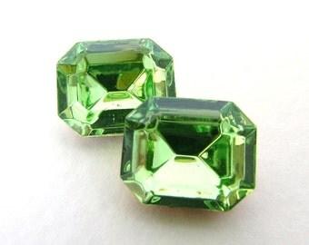 Vintage Rhinestone Swarovski Crystal Peridot Green Jewel Octagon 12x10mm swa0499 (2)