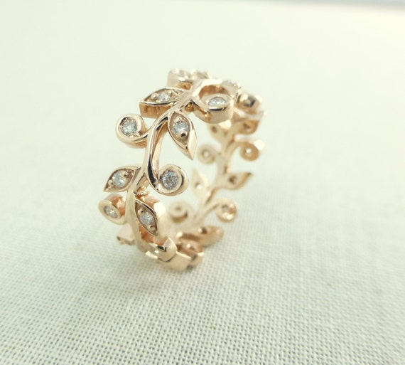 leaf and engagement ring wedding band by