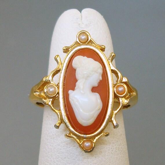 Vintage Cameo Ring Avon