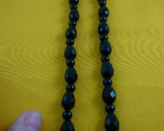 19 inch long faceted round and teardrop Black onyx gemstone bead beaded Necklace jewelry V305-1