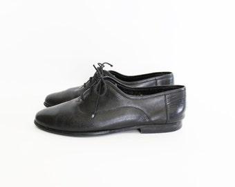 Vintage Black Leather Lace-Up Oxford Flats - size 10.5