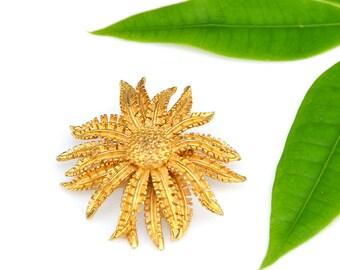 Coro Flower Pin Gold Mum Blossom Signed Designer Fall Autumn Brooch Vintage - W2829
