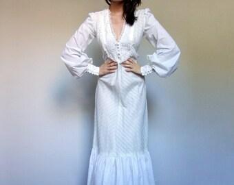 70s Maxi Dress White Dress Peasant Dress Long Sleeve Maxi Boho Wedding Dress Ruffle Dress White Maxi - Extra Small XXS XS