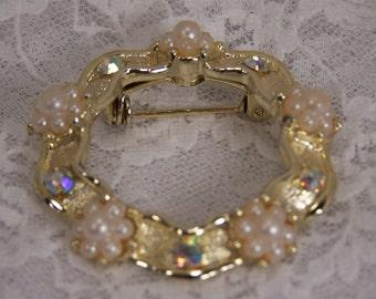 1970's Vintage Pearl Filigree Flower Leaf Circle Brooch, Round Gold Pin, Estate Bridal Brooch, Retro Jewelry, Statement Centerpiece