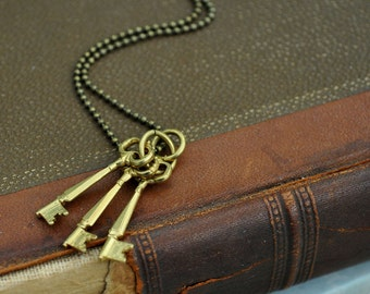 steampunk jewelry necklace - VINTAGE KEYS - vintage solid brass tiny key charms necklace with brass ball chain
