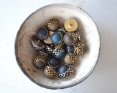 SALE - n.20 Vintage buttons carved metal and resin, brown green blue black