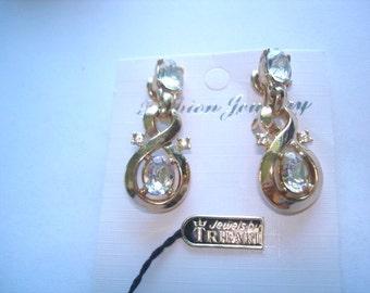 Vintage Jewelry Crown Trifari  Clear Rhinestone  Clip Earrings