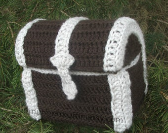 Crocheted Doll Travel Trunk