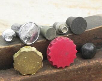 8 salvaged  vintage turn knobs radio