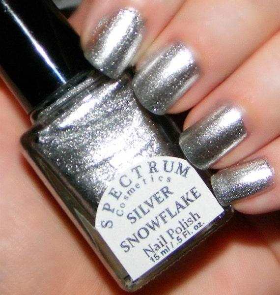 Metallic Nail Polish Silver: SILVER SNOWFLAKE Glittery Metallic Silver Nail By