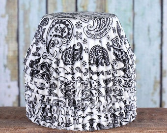Black Paisley Cupcake Liners, Black Paisley Baking Cups, Black Cupcake Liners, Cupcake Cases, Muffin Cases, Cupcake Wrappers (50)