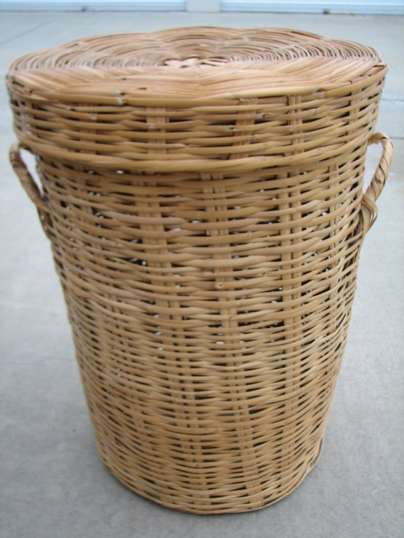 Large vintage natural wicker laundry hamper with lid handles - Rattan laundry basket with lid ...