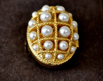 Vintage Avon Poison Ring with Original Box, Large Chunky Avon Faux Pearls Gold Plated with Avon Box Locket Ring