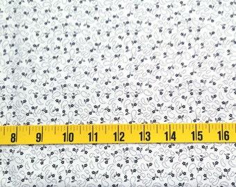 White Black Cotton fabric - Black white flower print - Fat Quarter