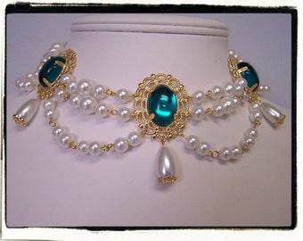 Teal Green and White Pearl Boudoir Pearls Choker Renaissance Tudor Necklace Game of Thrones