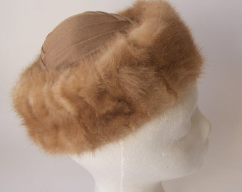 Vintage Caramel Fox Fur HAt by Hiki by New Wadley