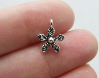 20 Flower charms antique silver tone F61