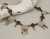 Sparkle on Grille ( beaded necklace)/ PDF file
