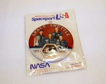 Vintage Space Shuttle Challenger Pinback Button / Pin Back