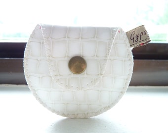 The Mini Gypsy Change Purse -Vegan Edition- Ivory Vinyl and Red Tiny Flowers Lining / Ready to Ship