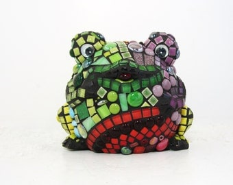 FROG gift idea -- frogs mosaic -- Rainbow Mosaic Frog 3-D JillsJoy Mosaic Will Charm Your Home and Heart . TAGT red green mosaic