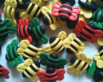 15 pcs Cute bee shank button