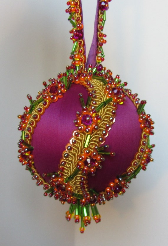 Beaded Christmas Ornament Kit Sisters