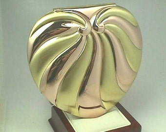 Rare Evans Heart Vintage Compact, Art Deco Retro Modern 1940s, Fabulous Goldtone Heart in Yellow Gold