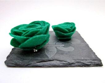 Green Brooch Pin -- Green Felt Pin -- Green Felt Brooch -- Kelly Green Accessory -- Green Felt Flower Pin -- Green Flower -- Green Clip