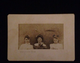 Vintage Photograph Cabinet Card of Three Women Turn of the Century