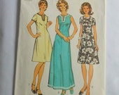 Vintage 1972 Simplicity Sewing Pattern 5475 Size 40 for Classic A Line Mini or Maxi Dress