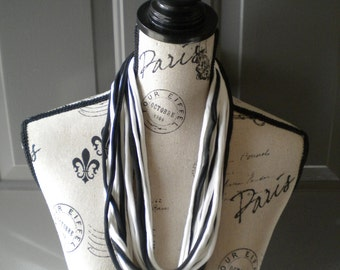 Jersey Scarf Necklace in Black and White