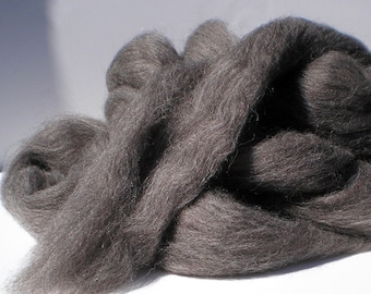 Grey Shetland Combed Top for Spinning or Felting  4 oz.