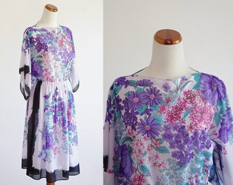 Vintage Boho Dress -- Floral Batwing Sleeve Dress -- Small Medium