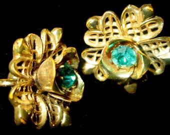Vintage Coro Signed Flower Earrings with Green Rhinestone.  Emerald Stone Earrings