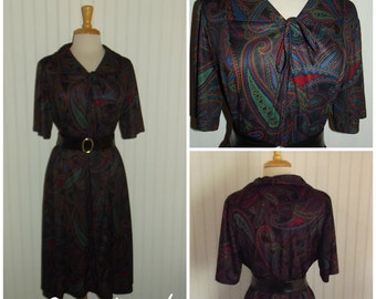 1970s Short Sleeve Paisley Dress, Black Green, Red and Blue, Pussy Bow, Size Large/XL, #45225