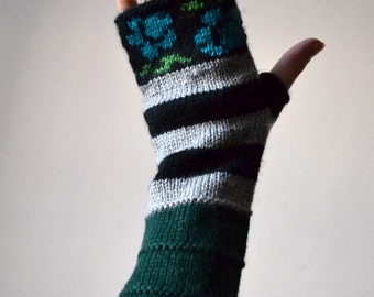 Green Fingerless Gloves - Fingerless Gloves with Roses - Wool Gloves - Winter Accesories - Christmas Gift - Women Accessories nO 95