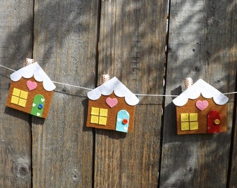 Gingerbread House Garland, Christmas Garland, Felt Garland Gingerbread House, Christmas decor, Log Cabin, Felt House