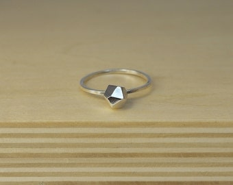 Faceted silver ring